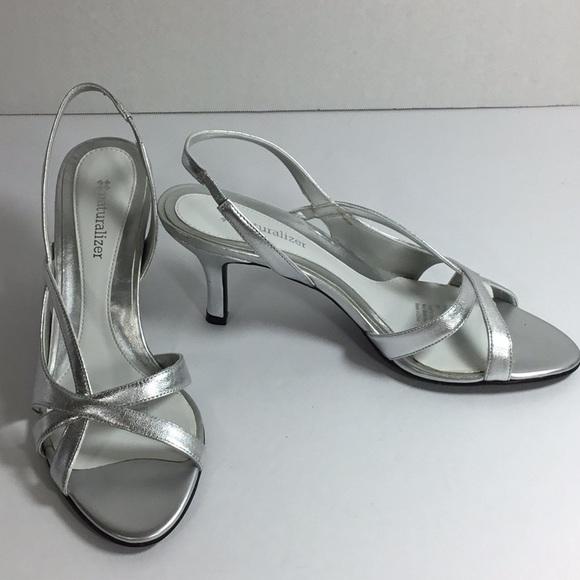 63df1d42f1e Naturalizer Prissy Silver Kitten Heels Size 8N. NWT